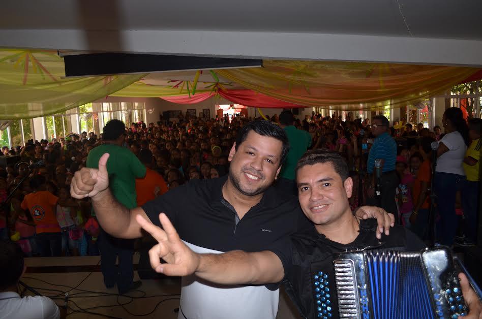 LUIS ÁNGEL DÍAZ & EIMAR MARTÍNEZ GRABANDO Y TOCANDO