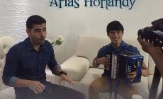 Oscar y Alex Arias Horlandy Presentan El Videoclip 'Te Gusta Todo'
