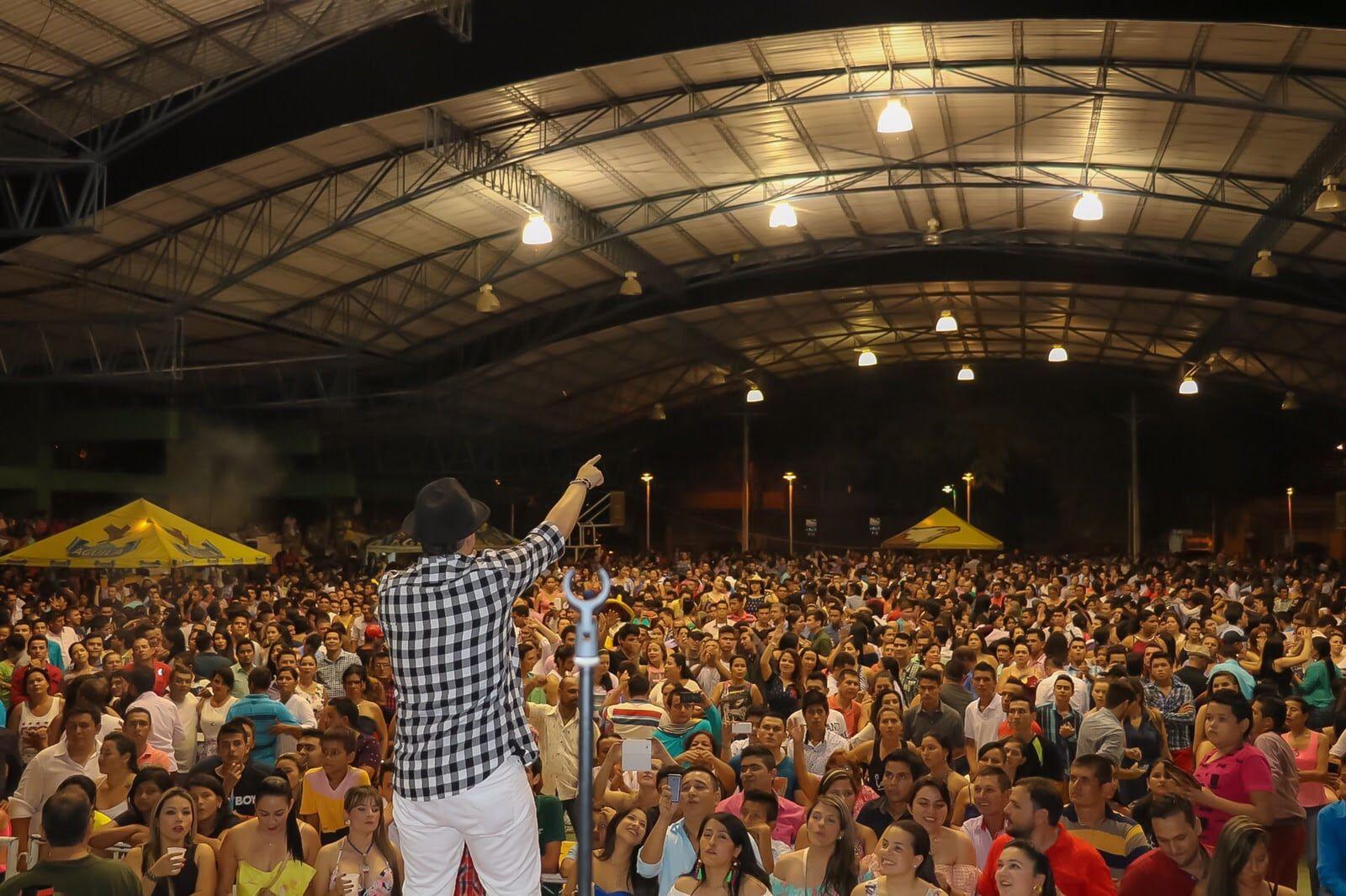 Luifer Cuello, ofreció un concierto multitudinario en Palermo