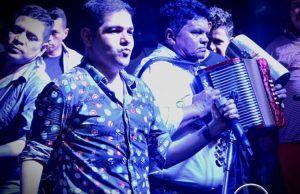 Peter Manjarrés está tocando con el rey vallenato Alvarito López