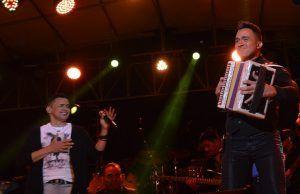 Jorge Celedón, aclamado en sus espectaculares conciertos en Bogotá y Pasto