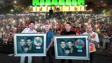 Peter y Juancho reciben disco de Platino