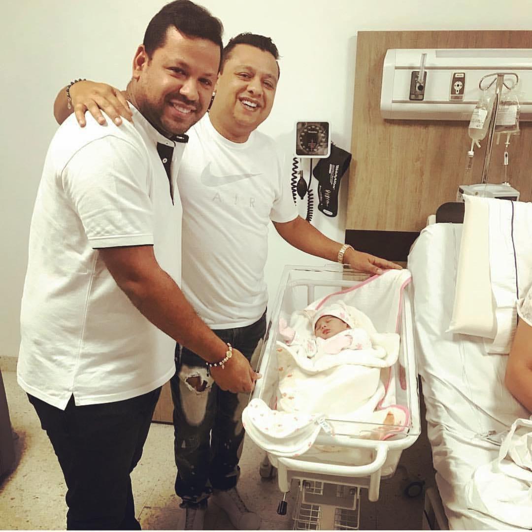 Marthina recibe la visita de Rafael Santos