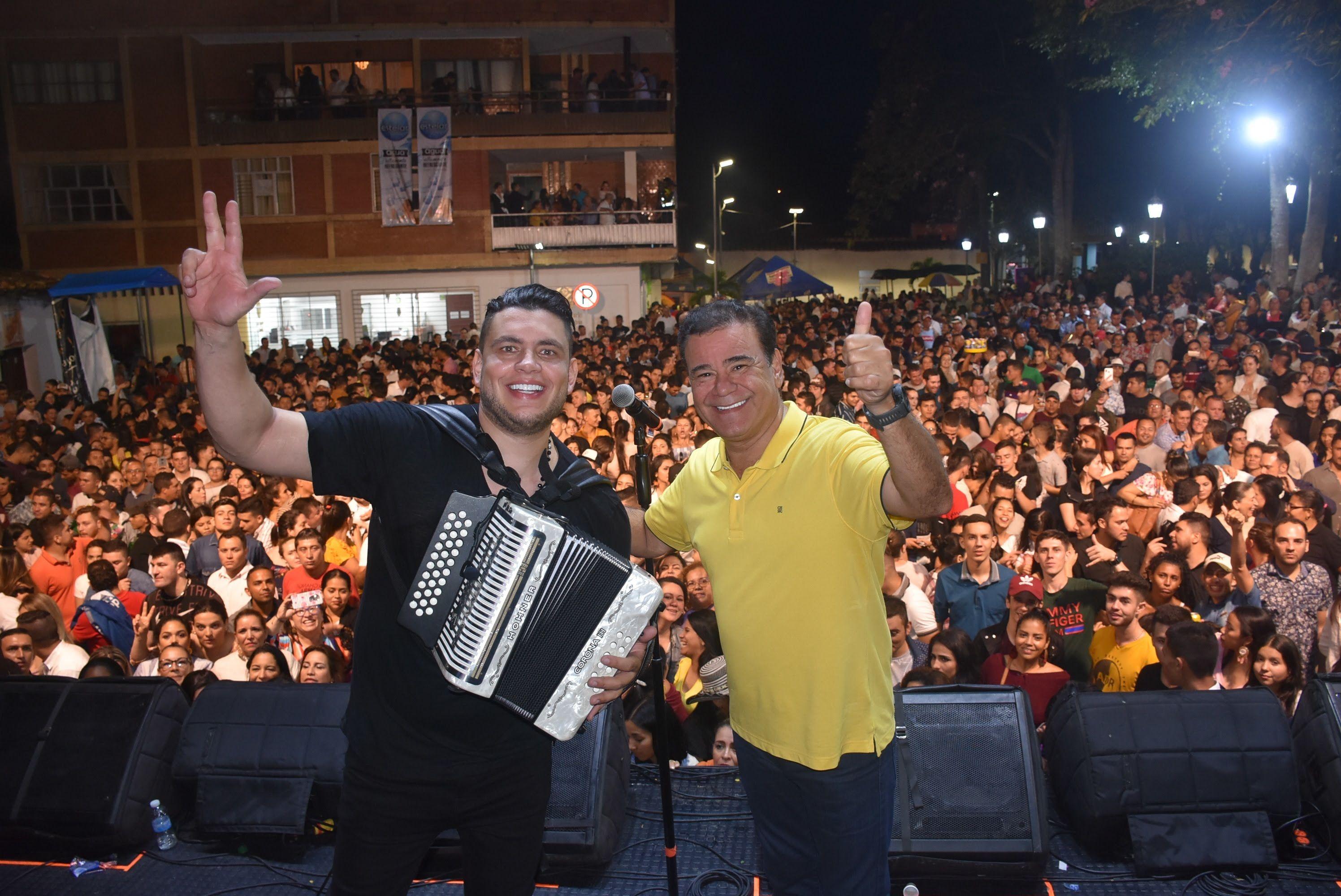 Iván Villazón y Saul